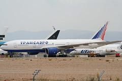 EI-UNS Boeing 777-212ER Transaero (corkspotter / Paul Daly) Tags: eiuns boeing 777212er b772 28514 153 l2j bkjs 4ca883 tso un transaero airlines 1998 20100902 9vsrd 2015 letl tev teruel