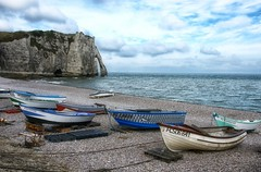 Etrtat beach (marko.erman) Tags: etrtat normandy normandie france sony cliffs rocks beach boats sea ocean atlantic outside travel popular nature arch sky clouds