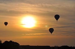 Hot Air Balloons at sunset (Martijn Nijenhuis) Tags: sunset hot zonsondergang nikon air ballon balloon zon martijn silhouets nijenhuis heteluchtballon d90 harkstede hetelucht meerstad afsvr70300f4556gifed