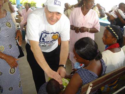 """Abidjan-vaccination1-mars2005 • <a style=""""font-size:0.8em;"""" href=""""http://www.flickr.com/photos/60886266@N02/7975756146/"""" target=""""_blank"""">View on Flickr</a>"""