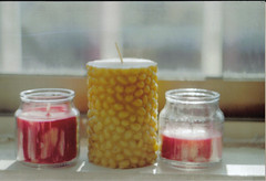 Candles (María Palma) Tags: camera sun sunlight film analog 35mm nice candles candle kodak naturallight smell zenit nicesmell zenit11 coffeecandle applecandle