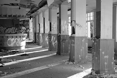 Centre médico-chirurgical (CMC) Les Petites-Roches (Crishoa) Tags: disused cmc désaffecté lespetitesroches centremédicochirurgical
