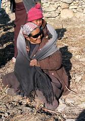 Sunny granny (vittorio vida) Tags: nepal boy portrait woman sunglasses children asia child granny annapurna