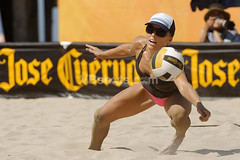 DSC_5897_DxO (ed_b_chan) Tags: beachvolleyball huntingtonbeach sandvolleyball usavolleyball volleyballphotos josecuervoprobeachtour