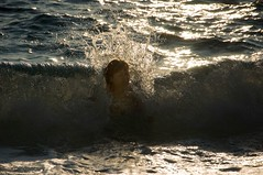 Portret s valom / Portrait with a Wave (Vjekoslav1) Tags: sunset sea summer portrait woman sun beach water colors girl glitter gold drops wave more val mermaid voda sirena ih bather boje plaa ljeto sunce ena zaton kupanje zlato zalaz bljetavilo kupaica