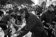 Helpers and Volunteers (dietertitz.de) Tags: city party berlin demo marathon cities parties event stadt ereignisse 2012 feiern ort feste veranstaltungen berlinmarathon sportssport sportsportveranstaltung