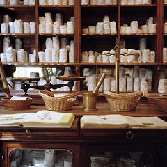 old herb pharmacy* (miki**) Tags: paris france 120 pharmacy 2012 1880 medicale harb  rolleiflex35f herboristerie