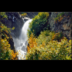 Flowing in Indian Summer (dellafels) Tags: mountain alps waterfall indiansummer dellafelspic kolmsaigurn blinkagain