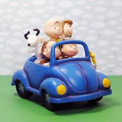 Road trip! #snoopy #charliebrown #peanuts #vwbeetle #forsale #collectpeanuts #snoopygrams #hallmark #vintagepeanuts #ilovesnoopy (collectpeanuts) Tags: collectpeanuts snoopy peanuts charlie brown