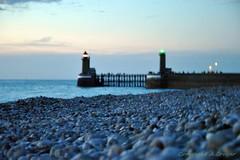 Les phares de Fcamp (FleurdeLotus28) Tags: fcamp normandie hautenormandie littoral france nature seascape sea seaside ocan ocean water mer manche atlantique cte dalbtre albtre night soir sunset color phare lighthouse galet pierre port nikon