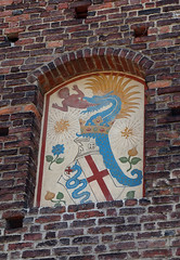 Escudo de Armas de los Visconti de Miln (a_marga) Tags: milan milano italia italy castello sforzesco castillo escudo visconti disturbing snake
