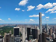 New York (Janne Fairy) Tags: newyork new york park avenue 432 432parkavenue central centralpark nyc view sky blue blau himmel wolkenkratzer skyscraper green grn amerika america usa united states