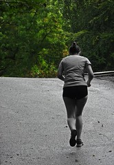Always Greener (Bricheno) Tags: glasgow bricheno schottland szkocja scotland scozia escocia esccia cosse scoia    runner athlete girl jogger shorts kelvingrove park kelvingrovepark