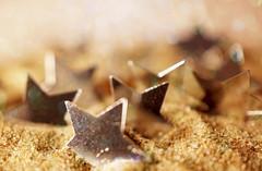 """Catch a falling star ......"" (Elisafox22) Tags: elisafox22 sony nex6 e30mm f35 macrolens macro hmm macromondays stars star silver confetti perrycomo sand catchafallingstar bokeh sunshine elisaliddell©2016"