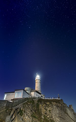 Faro Cabo Mayor (Saavedra Ruiz) Tags: santander cantabria faro lighthouse cabomayor night stars estrellas longexposure