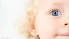 DSC_0182-3 (elodie humanes) Tags: enfance douceur portrait regard
