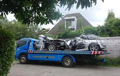 half cars (the foreign photographer - ) Tags: dscaug192016sony truck half cars parts soi phahoyolthin 63 bangkhen bangkok thailand sony rx100