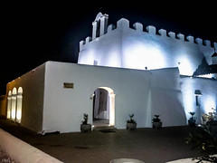 Iglesia fortificada de San Jorge - Ibiza - (ibzsierra) Tags: ibiza eivissa baleares samsung movil telefono telephone iglesia church noche nuit nigth santjordi sanjorge iglesiafortificada