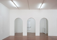 white 17 (godelieve b) Tags: white blanc espace vide empty curves architecture intrieur inside interior perspective minimal