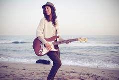 Martha B. Goode (Sator Arepo) Tags: sea portrait musician espaa music beach hat rock lumix spain mediterranean singing guitar song retrato blues player panasonic fender shore strings hendrix pancake 20mm stratocaster fenderstratocaster electricguitar gf1 microfourthirds
