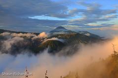 Early Morning Views of Bromo, Batok and Semeru Volcanoes (26 of 59) (Shaun R) Tags: indonesia volcano earlymorning views semeru batok mountbromo eastjava may2012