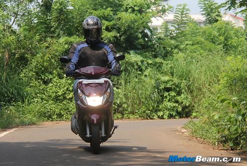 2012-Yamaha-Ray-04