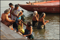 Pilgrims in Varanasi (P K Gupta VNS) Tags: varanasi aasia ganga pilgrims benares ghat ritualbath flickraward earthasia worldtrekker gangabath mygearandme blinkagain