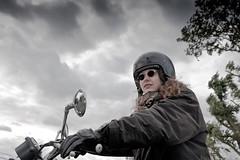 Roos Triumph (4WindsImages) Tags: sky clouds motorbike motor motorgirl