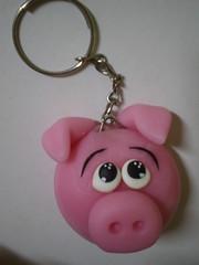 Chaveiro Porquinho (2) (Kelly arte e costura) Tags: artesanato biscuit trabalhosmanuais lembrancinhas chaveiros porcelanafria