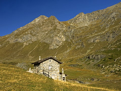 011 - the house of fireplaces (TFRARUG) Tags: mountain lake alps cross hike aosta ibex avic dondena