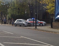 021120128029 (uk_senator) Tags: car crash accident police met holloway rta camdenroad fordka 21112 uksenator hilldroproad