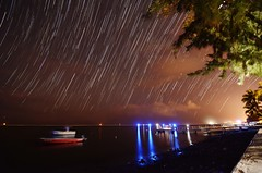 Startrails Bassin pirogue (Louis PERPERE) Tags: les night island la nikon ile tokina nuit f28 startrails bains etang 1116mm d7000 reunion sale