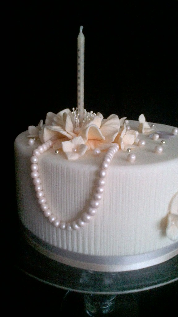 70th Birthday Cake With Pearls Julia Hardy Cakes Tags Flower Lady