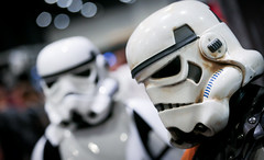 1DX_3822 (felt_tip_felon) Tags: starwars force cosplay stormtroopers empire jedi newhope darkside sith darthmaul raypark empirestrikesback returnofthejedi phantommenace excelcentre forceawakens starwarscelebrationeurope2016london