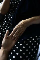 Ettorina (Emma Nibaru) Tags: nonna grandma oldwoman hands nikon nikond7200 oma grossmutter love
