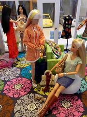 Shawna - Boots or Sandals? (rata-tat-tat) Tags: dolldiorama barbiediorama poppyparker barbiemodelmuse