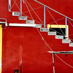 Rosso a Livorno (fiumeazzurro) Tags: toscana bellissima redmatrix anthologyofbeauty rnflivorno 1213maggio2012
