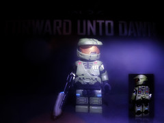 Halo 4 : Forward Unto Dawn - Master Chief V2 (MGF Customs/Reviews) Tags: dawn lego infinity chief master requiem forward spartan the cortana unto lasky unsc didact prometheans