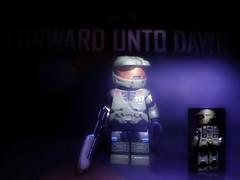 Halo 4 : Forward Unto Dawn - Master Chief V2 (MGF Customs/Reviews) Tags: dawn lego infinity chief master requiem forward spartan the cortana unto lasky unsc didact prometheans