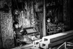 Siesta , Ironworks , Seoul Korea (myDays / S.Lee) Tags: leica people bw monochrome 35mm blackwhite industrial nap factory f14 candid machine korea balckandwhite seoul summilux ironworks fle mydays bokeholic namusu m9p rememberthatmomentlevel1