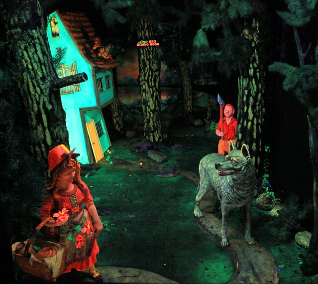 Rock City's Fairyland Caverns: Little Red Riding Hood