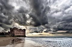 (Finasteride (Magro Massimiliano)) Tags: storm nuvole day mare castello santamarinella santasevera d90 finasteride nikkor1224 nikon1224 nikond90 magromassimiliano