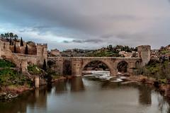 SAN MARTN EN INVIERNO (mamherrera) Tags: bridge espaa rio ro river puente spain arquitectura agua paisaje medieval toledo tajo arco sanmartin castillalamancha airelibre  spagne riotajo corrientedeagua