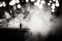 20130125_01_Steam of steamer (foxfoto_archives) Tags: macro monochrome japan shop night canon eos tokyo stand is mark steam ii  5d  usm steamer    f28l ef100mm