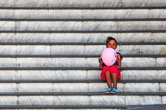 Girl with pink balloon (5ERG10) Tags: africa christmas street pink red portrait girl sergio lines southafrica star nikon holidays pattern zoom sandals candid stripes balloon steps capetown telephoto wale 2012 waal straat walkingtour d300 sudafrica starred malayquarter cittadelcapo amiti 5erg10 cyriljohnson dutchregencyhotel