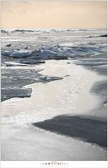 Kuiend ijs (5D043547) (nandOOnline) Tags: winter berg nederland natuur vuurtoren marken landschap noordholland ijselmeer ijs vorst markermeer vriezen ijsschotsen kruiendijs dooien paardvanmarken