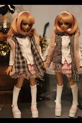 Annabelle and Annemarie (Liara Kon) Tags: bjd ball jointed doll abjd dollmore suntan paran twins cute