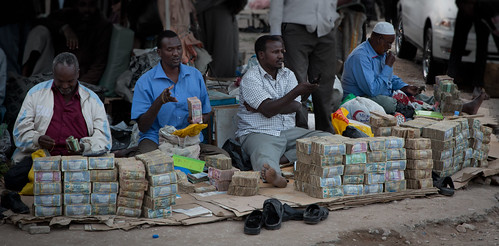 Money changing on the street, Somaliland style