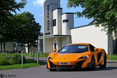 McLaren 675LT (Marcinek_55) Tags: supercar supercars hypercar hypercars sportcar sportcars exotic exoticss ferrari f430 scuderia spider 16m road legal racecar racecars london england goodwood circuit racecourse chichester red black sunday supercarsunday londonsupercars supercarsinlondon breakfastclub breakfast club spoiler gespot autogespot marcin wojciechowski marcinek55 photography performance unique limited edition sony a57 voitures car cars outdoor vehicle mclaren 675lt shmee shmee150