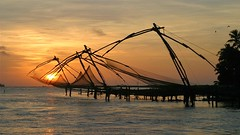 Kochi/Cochin - Kerala, India (asithmohan29) Tags: cochin india indiantouristplaces kerala kochi thingstodo touristplaces touristplacesk travel backwaters culture adventure traveller fortkochi cochintourismattractionsplaces beautyblogger indianyoutuber destination chinesefishingnets